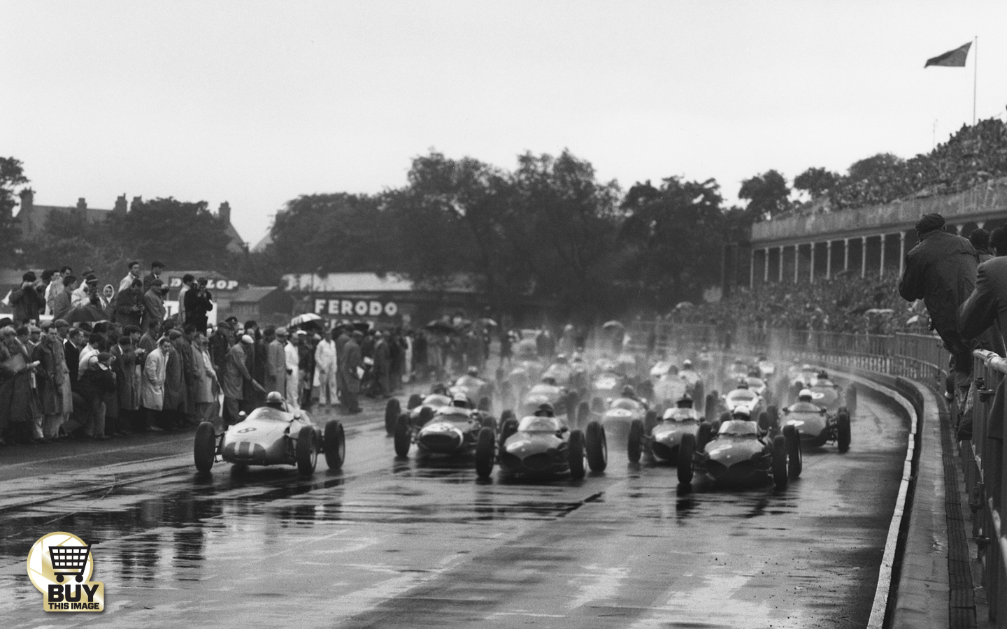 the british grand prix on tour sports cars at the glen motor in 1954 in both the support and the main event victorious in the 500cc race and retiring from second place in f1 joseacute froilaacuten gonzaacutelez won