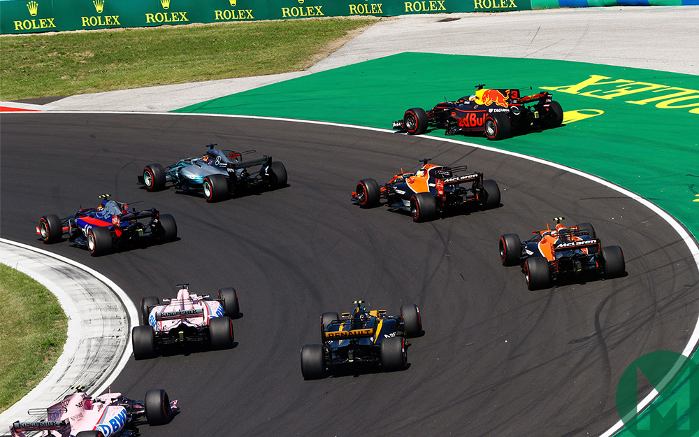 https://msmproduction.s3-eu-west-1.amazonaws.com/s3fs-public/content/F1/2017/Hungary/redbull_clash.jpg