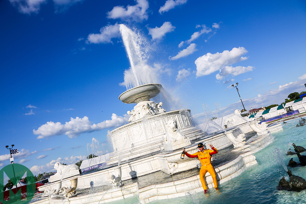 Ryan Hunter Reay celebrates Belle Isle win