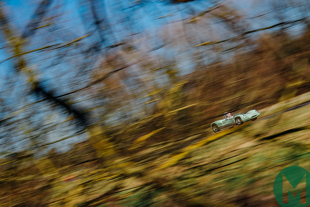 Lotus 19 track blur