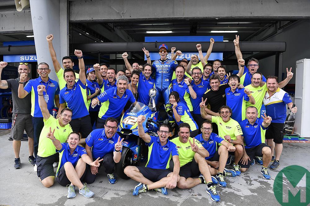 Suzuki celebrates Rins' result