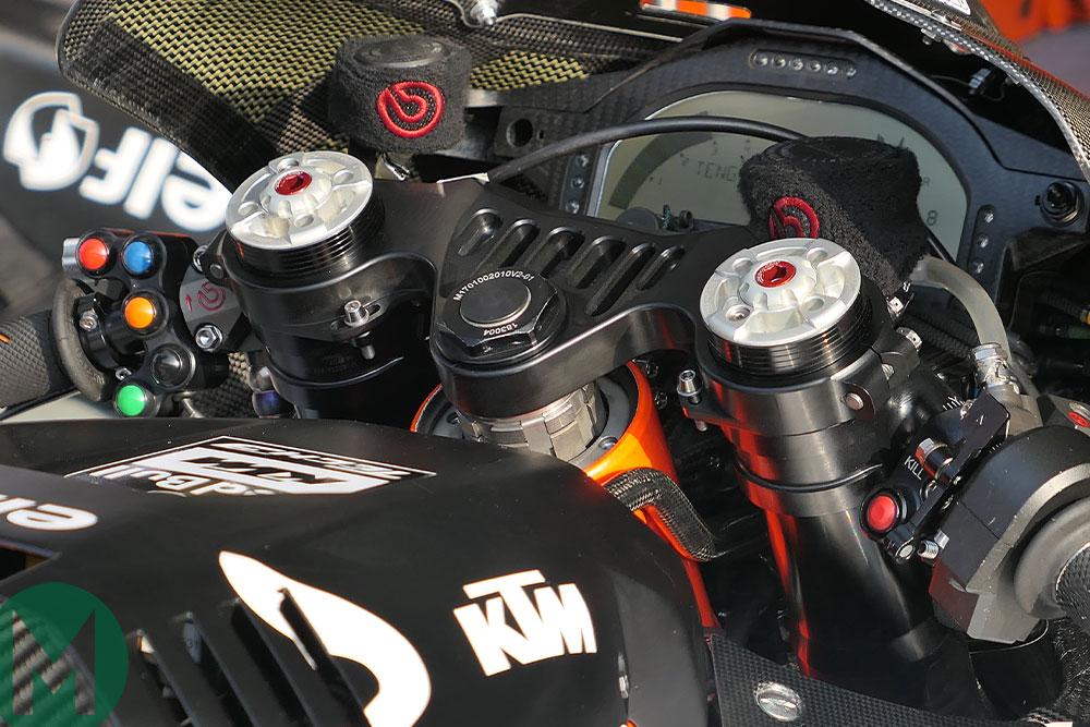 KTM Rc16 triple clamps