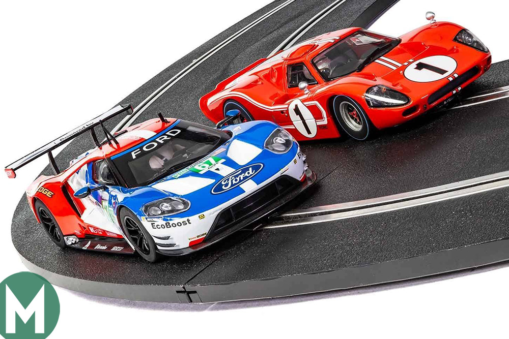 Ford GT and GT40 Scalextric set