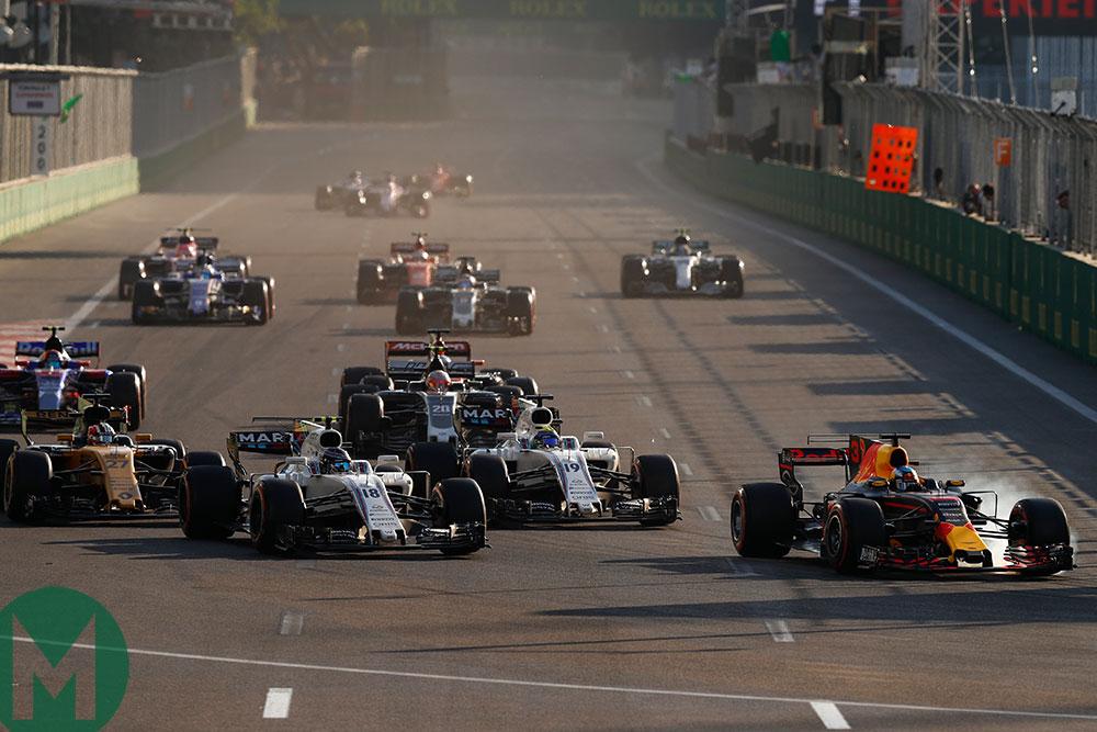 Daniel Ricciardo Red Bull passes three cars at once in the 2017 Azerbaijan GP